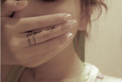 哭泣,不代表脆弱,只因坚强了太久