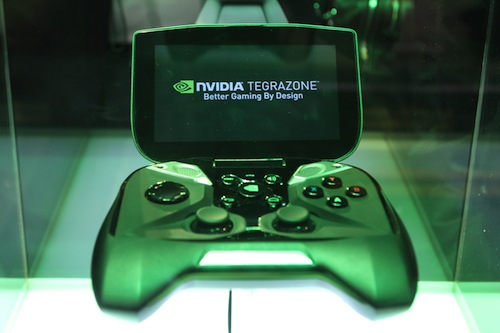 "NVIDIA Tegra 4掌机平板""Project SHIELD"""