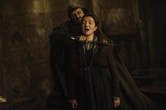 《权力的游戏》第三季剧照之凯特林被割喉