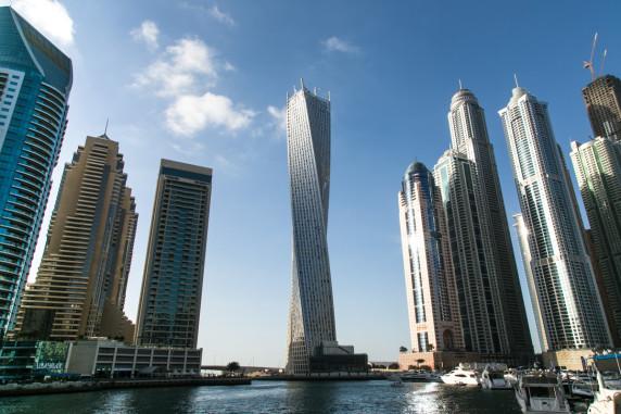 迪拜码头的无限塔
