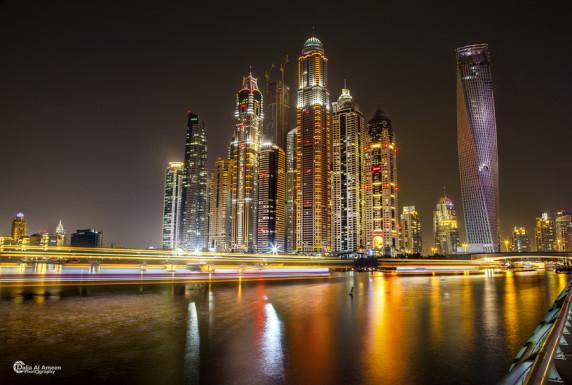 迪拜码头的无限塔 夜景