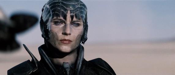 《超人:钢铁之躯》之Antje Traue
